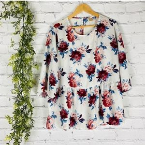 Faded Glory White Floral Flounce Hem Top XL